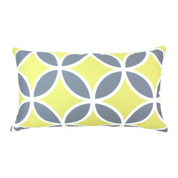 """DD - Quatrefoil Outdoor Pillow 24"""" x 14"""" - This lovely Quatrefoil Outdoor Pillow will add fun and flare to your outdoor space."""