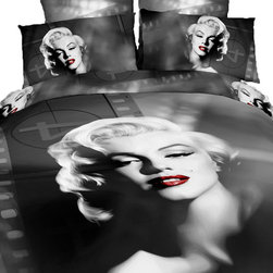 Dolce Mela - Marilyn,  100% Cotton 6 Piece Bedding Duvet Cover Sheet Set by Dolce Mela, Queen - The seductive and timeless picture of Marilyn on this bedding ensemble will give an artistic tone to your bedrooms decor.