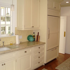 Traditional Kitchen Cabinets by Perfect Wood Solutions