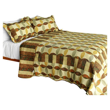 Blancho Bedding - Memories Off 3PC Vermicelli-Quilted Striped Patchwork Quilt Set  Full/Queen - Set includes a quilt and two quilted shams (one in twin set). Shell and fill are 100% cotton. For convenience, all bedding components are machine washable on cold in the gentle cycle and can be dried on low heat and will last you years. Intricate vermicelli quilting provides a rich surface texture. This vermicelli-quilted quilt set will refresh your bedroom decor instantly, create a cozy and inviting atmosphere and is sure to transform the look of your bedroom or guest room. Dimensions: Full/Queen quilt: 90 inches x 98 inches  Standard sham: 20 inches x 26 inches.