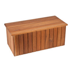 Teakworks4u - Plantation Teak Portable Single Step - The natural teak portable step is perfect outside your bathtub, pool, or anywhere else you need just that little extra step.