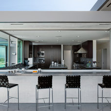 Modern Kitchen by Western Window Systems