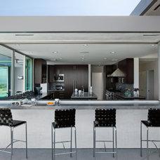 Modern Kitchen by Western Window Systems
