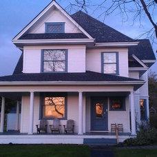 Jenne Farmhouse exterior