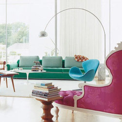 Modern Living Room Design with Flos Arco Lamp - The classic Arco was designed by the Italian grandmaster of design; Achile Castiglioni. King of swing; the Arco has been making its moves around the world for the last 50 years. The Arco floor lamp has got as much class as a custom tailored Brioni suit. In fact, Brioni has the Arco in their offices as well.  Get the authorized one from http://www.stardust.com/FLOSARCO.html