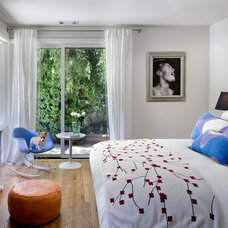 Modern Bedroom by Ana Williamson Architect