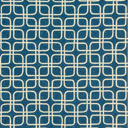 Loloi Rugs - Venice Beach Indoor/Outdoor Loloi Area Rug Blue / Ivory VB-11 - The Venice Beach Collection brightens up your home - inside or out - with a series of appealing, modern, hand-hooked designs from China. Made of 100-percent polypropylene, the rugs are UV and mildew-resistant.
