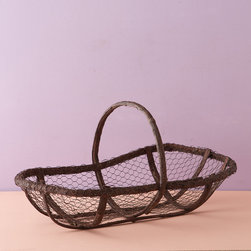 Twig and Wire Garden Trug - I would use this trug to tote chicken treats (aka scraps) from the kitchen to the coop. My hens always loved beet greens, corn cobs and watermelon rinds the best.
