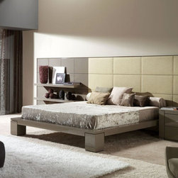 Mobil Fresno - With the Eros bed you can customize your paneled headboard to be anything you wish. Change the size, fabric, wood, anything! Want a Serena Van Der Woodsen bed? We can make it!