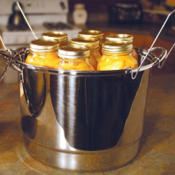 Victorio 24 Quart Stainless Steel Dual Steam Water Bath Canner - A large pot like this makes canning in large batches easy and fuss-free.