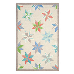 MSR3751C Martha Stewart Rug - 6' Round - A beloved traditional quilt design named for two brothers who settled in Louisiana in 1699, Lemoyne Star is artfully updated for today��_s casual bedrooms and family rooms. Made in India of 100-percent wool, our Lemoyne Star area rug recreates the motif��_s classic eight-point star with large, hand-tufted loops.