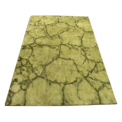 EORC - Handmade Dip Dyed Green Wool Area Rug (5' x 8') - The contemporary styling of this area rug is sure to add simple elegance to any room. This rug showcases a green color palette,a plush 0.5-inch pile underfoot,and a modern and sophisticated abstract design that is sure to reinvent any space.