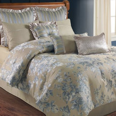 Traditional Bedding by Hayneedle