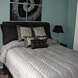 Bedding/Pillows - Bedding and pillows furnished and installed by Kite's Interiors.