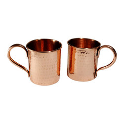 Custom Copper Mugs, LLC - Pure Copper Hammered mugs - set of 2 - 14 oz - Our Moscow Mule Mugs are constructed of 100% pure copper. We apply a food-safe lacquer that resists tarnishing for lasting beauty and luster. The mug of choice when serving the infamous Moscow Mule--a cocktail made from a blend of vodka, ginger beer, and lime juice. The copper mug enhances the flavor and keeps the drink colder, longer.
