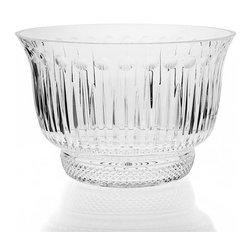"Godinger Silver - King Louis Crystal Punch Bowl Set - This dazzling crystal King Louis 10 piece punch set is a stunning way to offer refreshments while making a statement of good taste. Set includes: 8 cups 1 bowl 1 ladle. King Louis... The name says it all! Godinger silver is proud to produce an upper scale, high quality clear crystal serving pieces! Place this set as your table centerpiece and get ready for some warm compliments. Dimensions: 7 1/2"" H. , 11"" D."