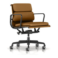 Eames Soft Pad Management Chair, Open Line Leather
