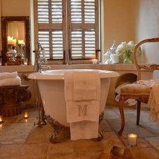 Traditional  by Melanie Giolitti Interior Design