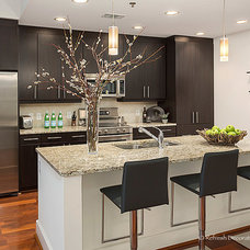 Transitional Kitchen by Minhnuyet Hardy Interiors