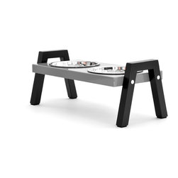 Doca Pet - 1-Cup Stray Dog Diner - Made in Chicago, this contemporary dog diner elevates your dog's dishes for his dining comfort. The sturdy sawhorse design keeps even the most enthusiastic eaters from knocking it over. Two dog dishes are included.