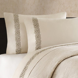 None - Artology 'Makie' 300 Thread Count Light Taupe Embroidered Sheet Set - Makie embraces opulent textile techniques into a luxurious geometric bedding collection. A traditional Japanese pattern embellishes the sheet set providing the final brush strokes of this artistic collection.