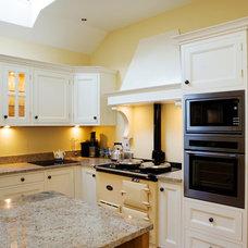 Traditional Kitchen by Peter Bernard Ltd