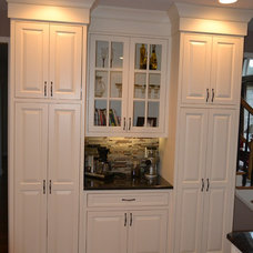 Traditional Kitchen Cabinetry by Wood Cabinet Design Inc.