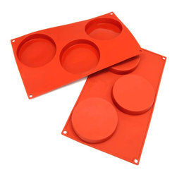 Freshware - Freshware 3-cavity Disc Cake Silicone Mold/ Baking Pans (Pack of 2) - Bring out your baking prowess with these durable silicone baking pans. Use them to create delicious disc-shaped treats for your family and friends. Resistant to heat, odor, and stains, these pans will let you have a better baking experience.