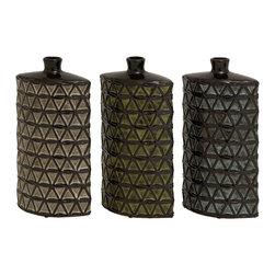 Stunning and Unique, Set of 3 Ceramic Vases - Description: