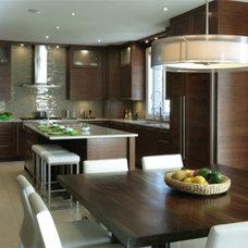 Contemporary Kitchen by Pammax Design Intérieur Inc.