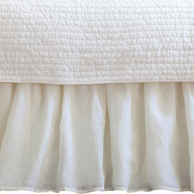 Taylor Linens - Linen Voile Cream Twin Bed Skirt - Floaty? Yes! Fussy? No! This bed skirt boasts breezy open-weave linen with a crisp cotton lining. You'll love the vibe and the versatility, which suits just about any bedroom decor.