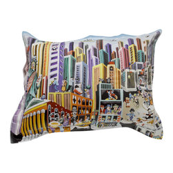 "ARTnBED - Standard Sham ""My New-York"", Option A - Standard Sham with the painting ""My New-York"" by the artist Yuval Mahler. Our shams will coordinate with your existing solid color linens for a contemporary and clean look, or you can mix and match them with colors and patterns for a powerful statement. Either way, you'll be adding spices from the big city to your bedroom."