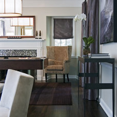 Modern Living Room by Tami Wassong Interiors