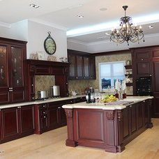 Traditional Kitchen Cabinets by ITB Kitchen & Wardrobe Manufacturer