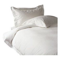 "600 TC Sheet Set 15"" Deep Pocket with Duvet Set Solid White, Twin - You are buying 1 Flat Sheet (66 x 96 inches), 1 Fitted Sheet (39 x 80 inches), 1 Duvet Cover (68 x 90 inches) and 4 Standard Size Pillowcases (20 x 30 inches) only."