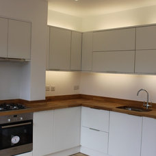 Modern Kitchen by Oasys Property Solutions