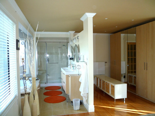 Eclectic Bathroom by TOC design
