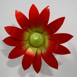 Metal Petal Product Selection - Each flower comes with a stand, simply stick it in your yard or garden.