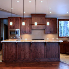 Traditional Kitchen by Pinnacle Mountain Homes