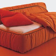 Modern Futons by Italian furniture by CGS Group 'Momentoitalia'