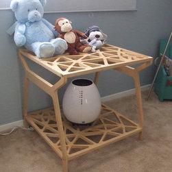 Nicolas Baby Room - side table