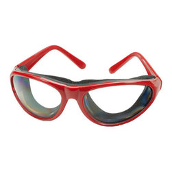 Onion Goggles - Comfortable foam seal protects eyes from irritating onion vapors