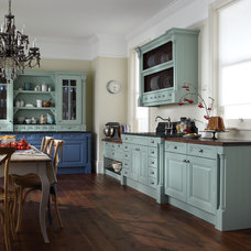 Traditional Kitchen by 322 Lytton
