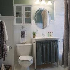 Traditional Bathroom by Suzan J Designs - Decorating Den Interiors