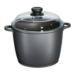Berndes - Berndes Tradition 7 qt. Stockpot with Cover - 674485 - Shop for Stock Pots & Slow Cookers from Hayneedle.com! Forget canned soups and stocks and create your own delicious and healthy recipes using the Berndes Tradition 7 qt. Stockpot with Cover.The Tradition 7 qt. Stockpot with Cover allows all your favorite ingredients to simmer in harmony resulting in flavorful soups and stocks. All Berndes cookware is made with superior vacuum-pressure cast aluminum. The non-stick surface is designed to never chip crack blister or peel and will prevent your favorite foods from sticking to the pan. And the heat resistant glass lid will prevent any splatter leaving you less clean-up.About Berndes.Founded in 1921 Berndes has designed and manufactured high-quality functional and practical cookware. Their products stand out among the rest. Berndes provides consumers with a complete range of cookware including: high-tech non-stick cast aluminum cookware heavy-gauge aluminum non-stick pans clay cookery and stainless steel cookware.The Berndes name is associated with superior quality and innovative cookware available for any taste type and budget. With a sense of responsibility for mankind and the environment Berndes makes sure that environmental protection plays an important role in the corporate policy as they go above and beyond environmental protection laws. The Berndes Environmental Declaration was one of the first in the household goods sectors to be declared valid by Gerling Cert Umweltgutachter GmbH Cologne in 2000.Range Kleen Mfg. Inc. located in Lima OH is the official retail distributor of Berndes brand cookware throughout the United States.