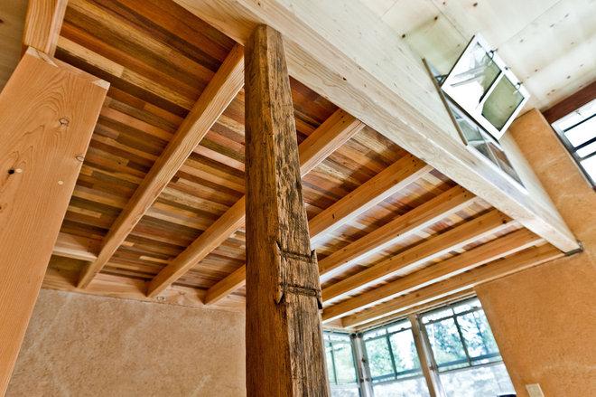 Rustic  by Arkin Tilt Architects