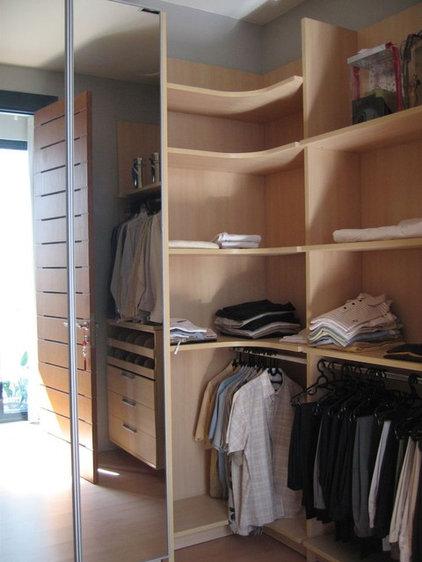 Modern Closet Organizers by Melior Kitchen