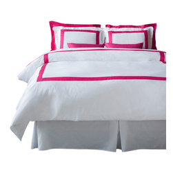 LaCozi - La Cozi Hot Pink Duvet Cover Set - Dream weaver: This magnificent duvet cover set is woven with 1,100-thread count cotton for a luxury only a five-star resort can duplicate. Each set is hand sewn with a brilliant color of your choice against crisp white.