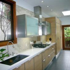 Kitchen by Carolina Stone Architecture