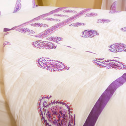 Attiser - Purple Quilts - Amethyst Amore Handmade Quilt , made in unique Indian Bohemian style. This rich pink, purple and white comforter is an Attiser Indian exclusive available in queen size.Hand Block Printed from Attiser